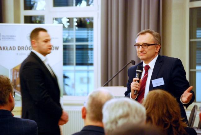 w trakcie dyskusji: prof. Tomasz Siwowski, Politechnika Rzeszowska. Zdjęcie: Mateusz Szarata